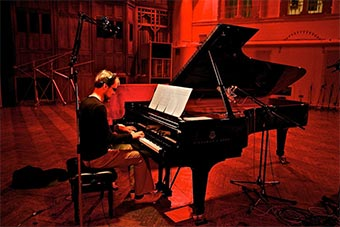 Rael Jones - Composer and Multi-instrumentalist